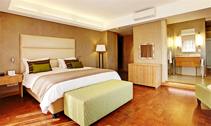 Cape Town: 2-Night Anytime Stay for Two Including R100 Uber Voucher at ThirtyKeys by Totalstay