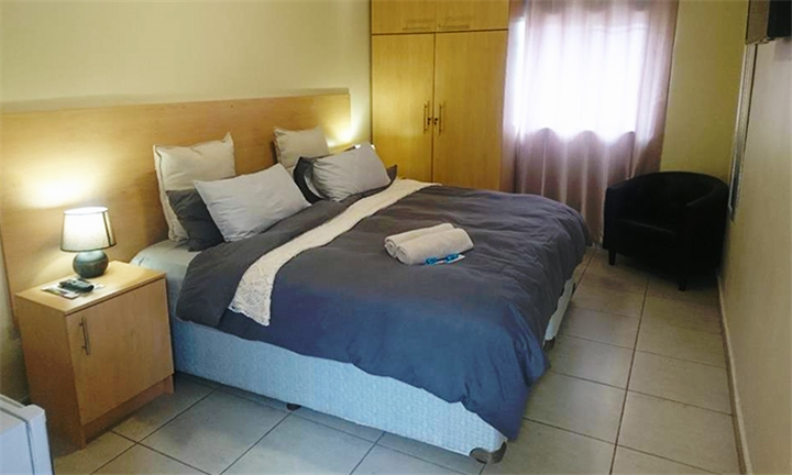 Pretoria: 1 or 2-Night Midweek Stay for Two Including Breakfast and Transport at PTA East Guest Rooms