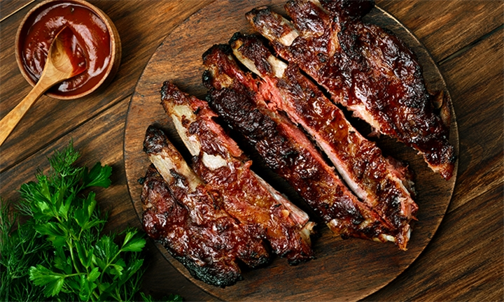 1kg Pork Ribs to Share for Two at Uncut Restaurant & Club