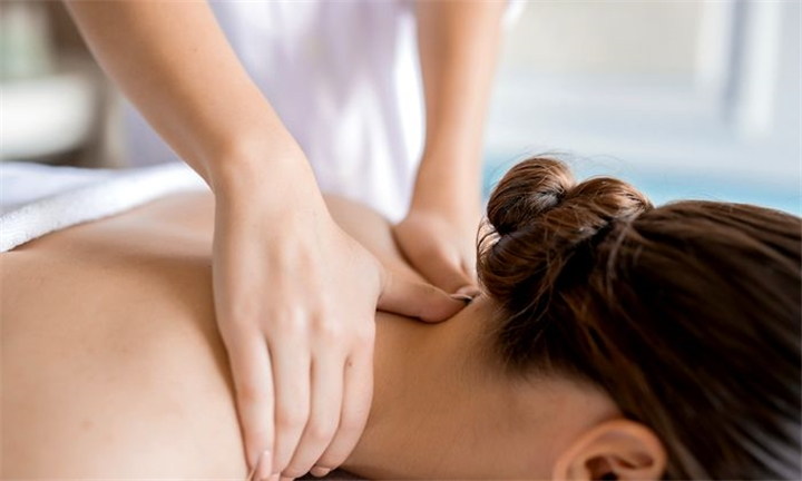 30-Minute Back, Neck & Shoulder Massage with 30-Minute Deep Cleanse Facial at Silky Skin Beauty Spa