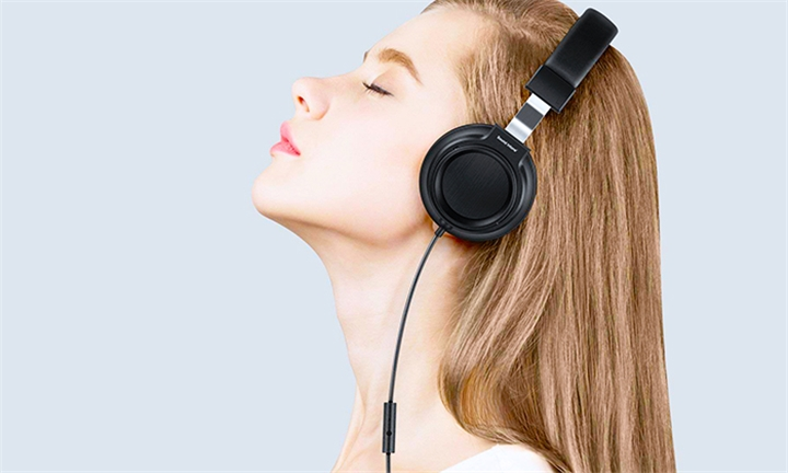 Sound Intone I8 Over-Ear Headphones with Microphone for R249
