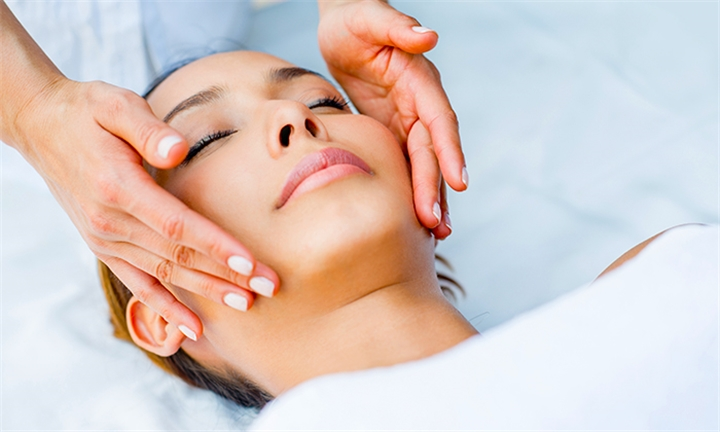 Choice of Deep Cleanser or Anti-Aging Facial Sessions at De Hoek Mini Day Spa @ Greenhills Private Venue