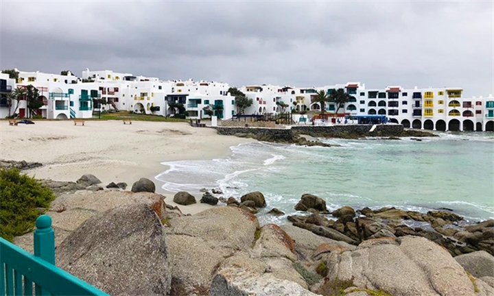 Langebaan: Choice of Weekend or Weekday Stay for Six – Four Adults and Two Children at Kaliva 007 Club Mykonos