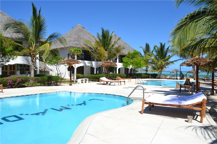 Zanzibar: 8-Night Stay for Two Including Breakfast, Dinner and Airport Shuttle at La Madrugada Beach Resort