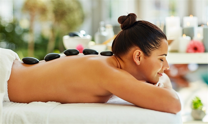 Pamper Package for One or Two Including Welcome Drinks at Kinini Day Spa Laser Lipo