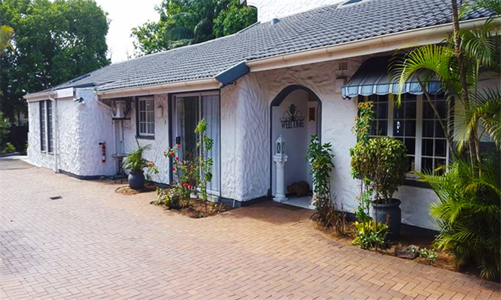 Durban: 1 or 2-Night Anytime Stay for Two Including Full English Breakfast at Old N New Bed and Breakfast
