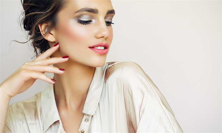 Permanent Makeup Eyeliner – Top & Bottom Including 4-Week Touch-Up at The Detox Studio