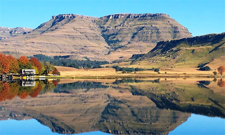 Kwa-Zulu Natal: 1 or 2-Night Midweek Stay for Two at Sani Valley Lodge and Hotel