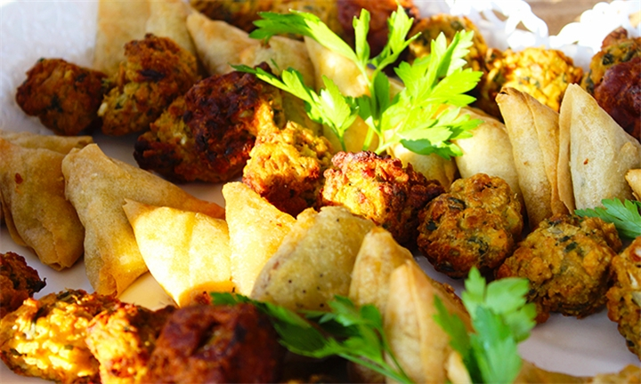 20 or 40-Piece Mixed Platter for Two or Four at Bikaner