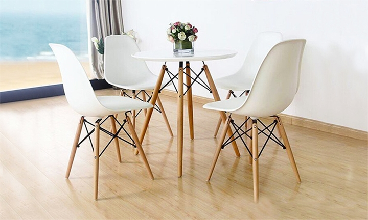 Eiffel Replica Chair (Set of 2) for R999
