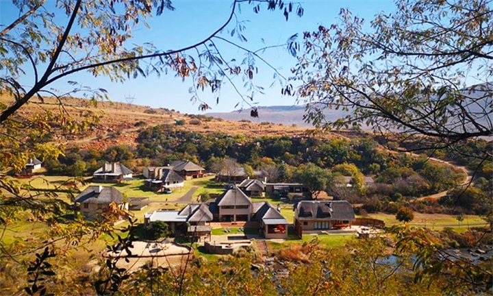 Mpumalanga: 1 or 2-Night Anytime Stay for Two in The River Lodge Suite Including Breakfast at Komati Gorge Lodge