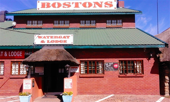 Northern Cape: 1 or 2-Night Anytime Stay for Two at Bostons Lodge