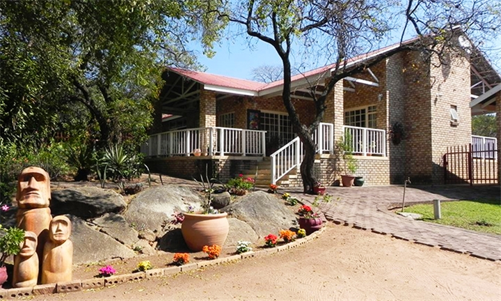Kruger National Park: 1 or 2-Night Anytime Stay for up to Four at Hazyhaven