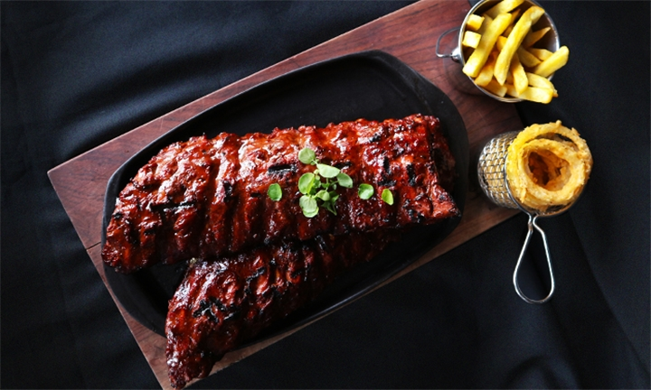1kg Rack of Ribs with Chips for Two at Yami Rib and Burger Elridge