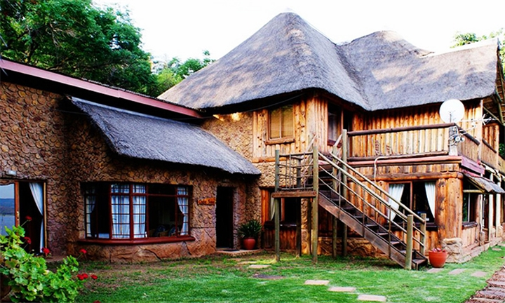 Hartbeespoort: 1, 2 or 3-Night Weekday Stay for Two Including Breakfast at Hartbeespoortdam Lodge