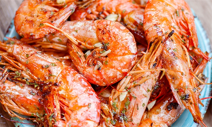 12 x Medium Prawns with Chips or Rice at Senhor Calisto's Montecasino