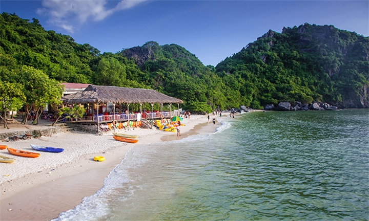 Northern Vietnam: 5-Day Luxury Tour Including Accommodation and Activities