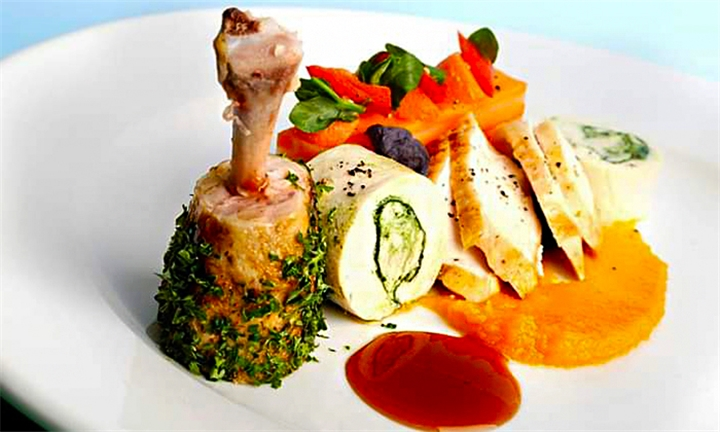 4-Course Meal with Glass of Wine Each for Two at Dandozest