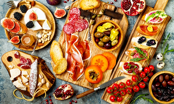 Gourmet Picnic for Two at Stellenrust Wines