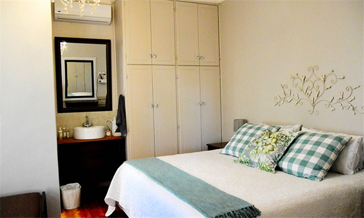Western Cape: 1 or 2-Night Anytime Self-Catering Stay for Two at PJ's and Popcorn Guesthouse