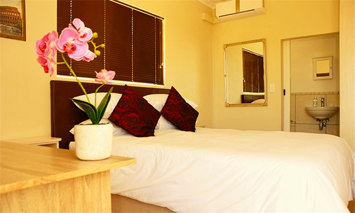Western Cape: 1 or 2-Night Anytime Stay for Two in a Queen or Garden View Suite at Tygerviews