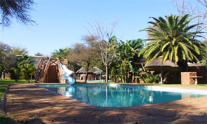 Limpopo: 1 or 2-Night Anytime Stay for up to Four at Molalatau Lodge