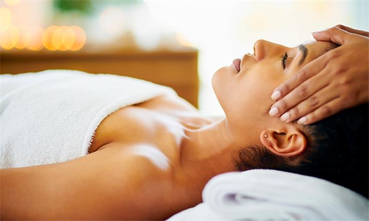 60-Minute Full Body Holistic Massage at MRT Spa