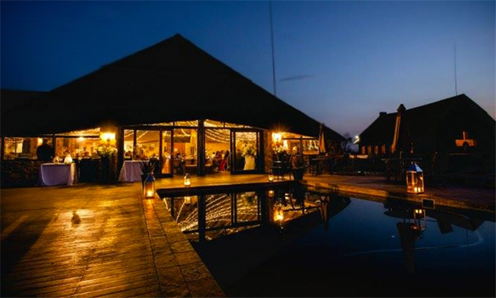 Pretoria: 2-Night Anytime Bed & Breakfast Stay for Two Including Breakfast, Game Drive and 30-min Full Body Massage at Mangwa Valley Game Lodge