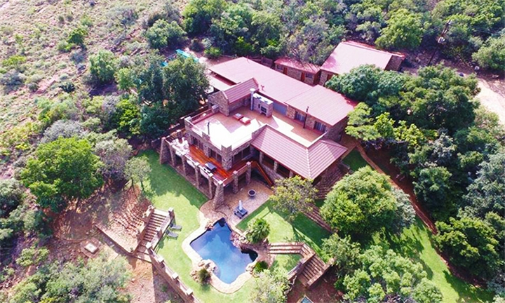Magaliesburg: 1 or 2-Night Weekday Stay for Two at Sable Estate Country Lodge