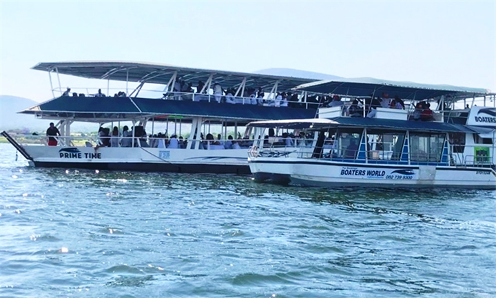 Sunday Lunch Boat Cruise for Two at Boaters World