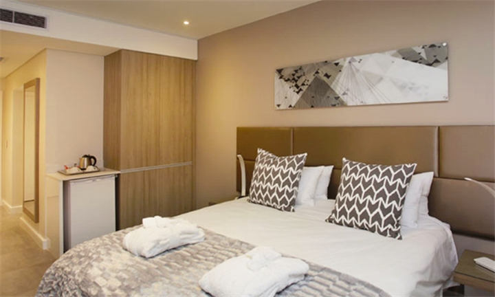 Johannesburg: 2-Night Weekend Stay for Two at The Capital Empire