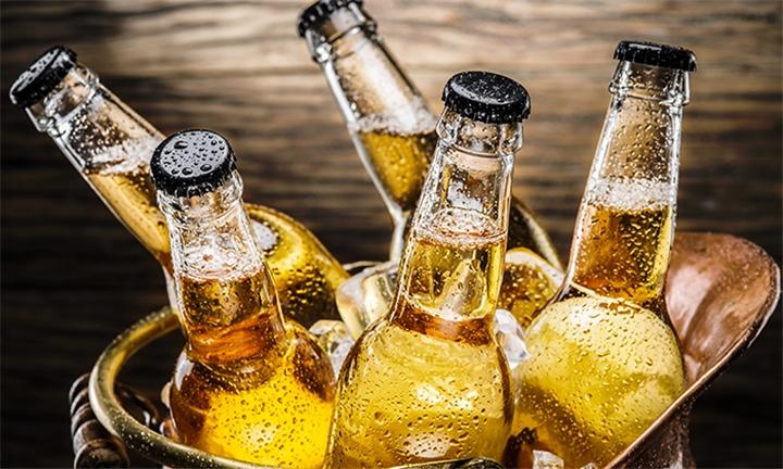 Bucket of Beers – 6 x Local 340ml Beers with Yami Rib & Burger Elridge