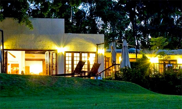 Mpumalanga: 1 or 2-Night Weekday Stay for Two Including Breakfast, Cruise and Spa Gift Voucher at Hulala Lakeside Lodge