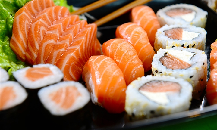 20 or 24-Piece Sushi Platter for Two at Fortune House