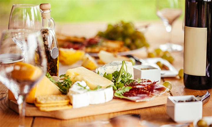 Choice of Wine and Dine, Vegetarian or Farm Platter for up to Four at The Purple Windmill