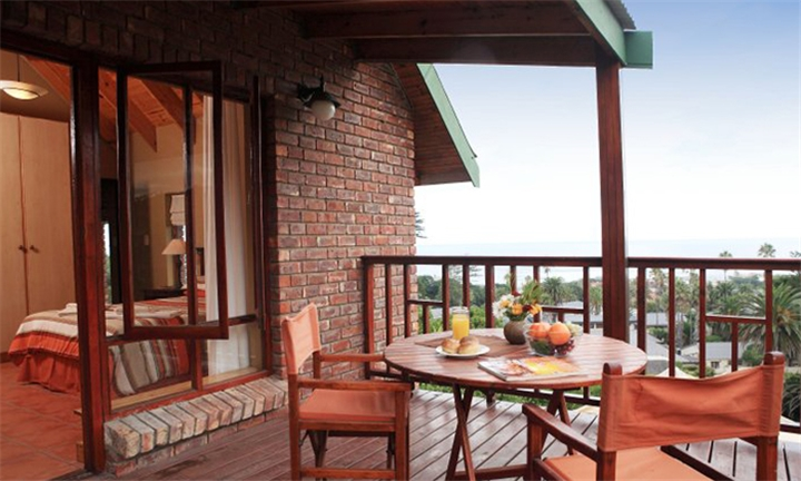 Garden Route: 1 or 2-Night Self-Catering Stay for up to Four at The Loerie's View