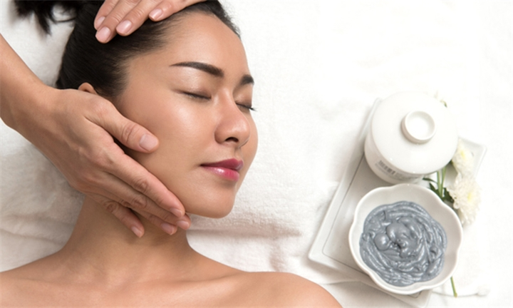 Thai Herbal Compress Treatment Sessions at Absolutely Gorgeous Beautique