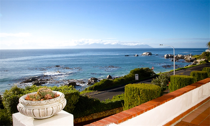 Western Cape: 1 or 2-Night Stay for Two Including Breakfast at Whale View Manor