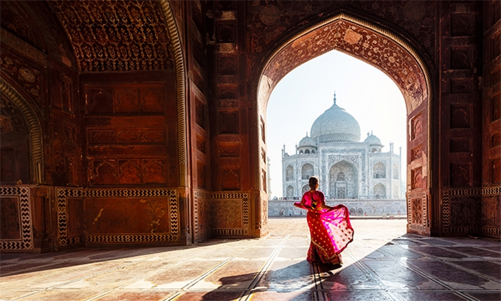 India: 8-Day Golden Triangle Tour with Mumbai Including Breakfast and Activities