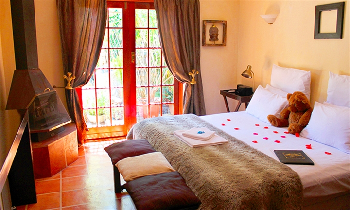 Cape Town: 2-Night Anytime Stay for Two at Goblin's Mead