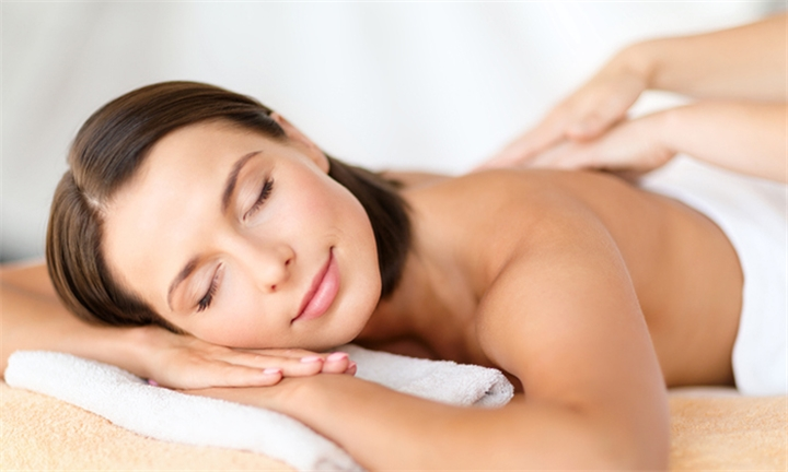 2-Hour Pamper Package for up to Two at La Vita e Bella Spa