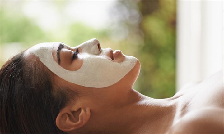 30 % Regime A Peel Sessions at L'EMA Beauty Spa