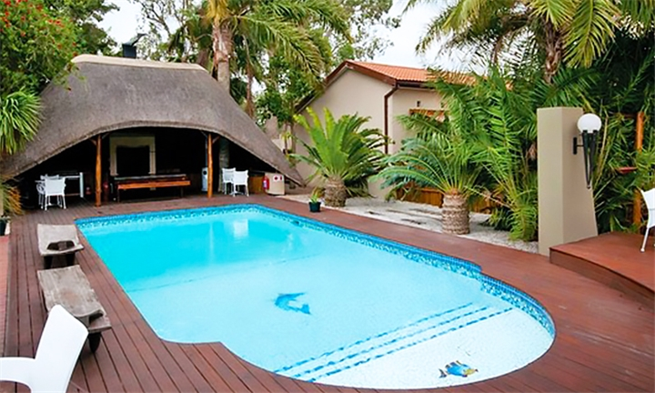 Port Elizabeth: 1 or 2-Night Weekday Stay for Two Including Breakfast at Ibhayi Guest Lodge