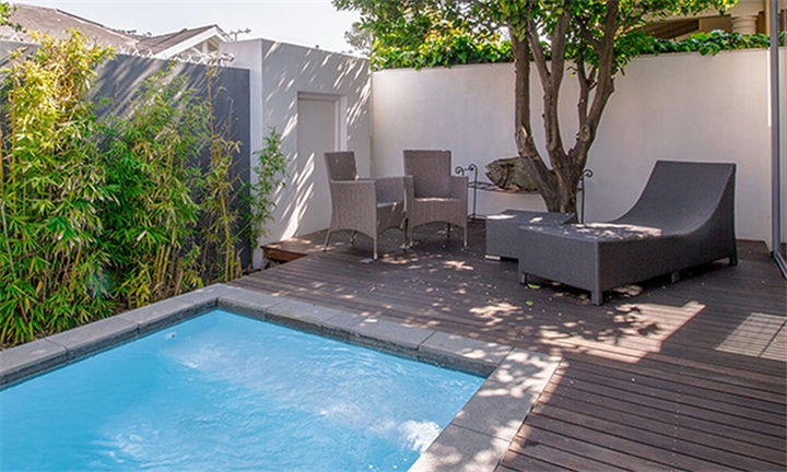 Cape Town: 1 or 2-Night Anytime Stay for Two Including Breakfast at Dunkley House