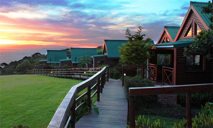Garden Route: 1-Night Anytime Stay for Two in an Ocean View Lodge Including Breakfast at Misty Mountain