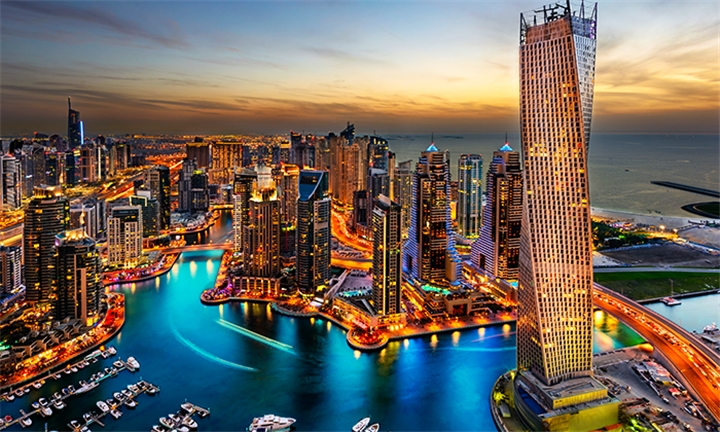 Dubai: 5-Night Stay Including Accommodation, Visa, Flights & Taxes from JHB and Breakfast