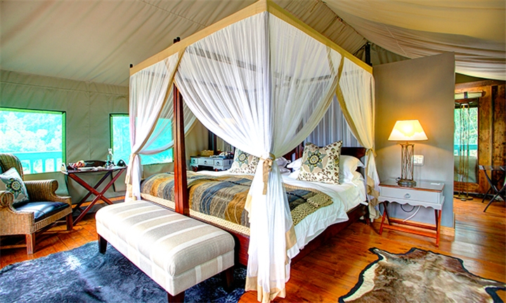 Garden Route: 1 or 2-Night Stay for Two Including Breakfast at Botlierskop Private Game Reserve