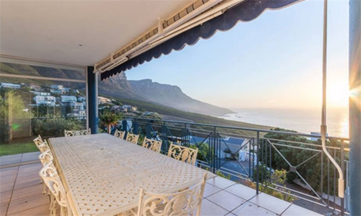 Western Cape: 1 or 2-Night Stay for Two Including Breakfast at Queen Jullie Lodge, Camps Bay