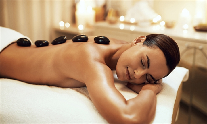 Full Body Hot Stone Massage at Aloe Verde Spa