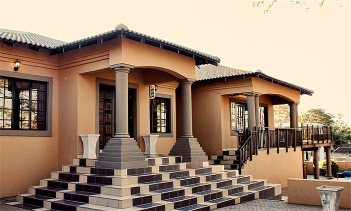 KwaZulu-Natal: 1 or 2-Night Anytime Stay for Two at Mama's Lounge B&B